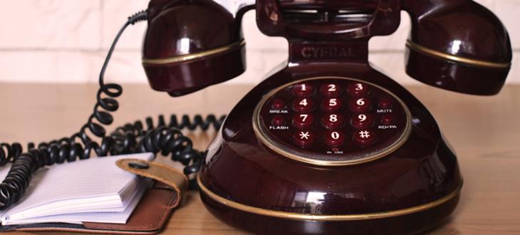 assistente e telefono