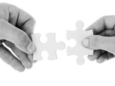 Puzzle, connessioni, fusioni e acquisizioni