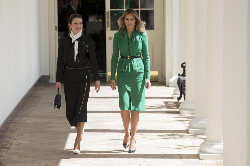 Gli outfit consapevoli di Melania Trump
